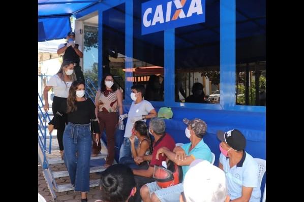 Unidade Móvel da Caixa Econômica Federal realiza atendimentos em Amarante