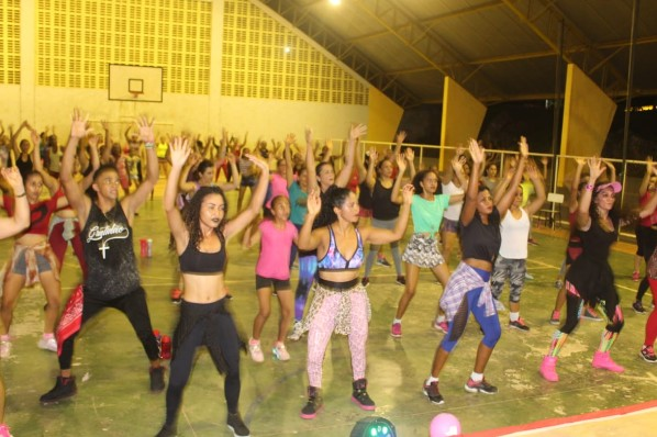 Prefeitura de Amarante inicia com sucesso temporada 2019 dos aulões de zumba do Projeto Dança é Vida