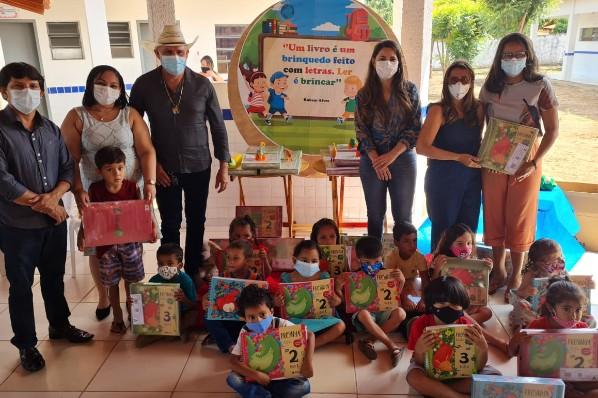 Amarante do Maranhão- Prefeitura realiza entrega de livros didáticos para Educação Infantil.